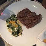 Arrachera with cream of spinach