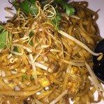 Hakka noodles w/ mushroom - MUST TRY!!