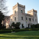 il castello visto dal giardino pensile al primo piano