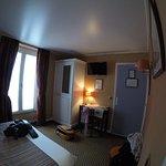 Photo of Hotel des Arts - Montmartre