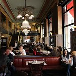 Centrál Kávéház és Étterem fényképe