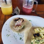 Tuna and Cheese tacos with smoothies
