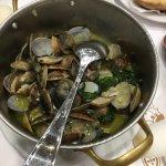 Cervejaria Ramiro - pot of cooked small clams
