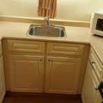 Kitchenette in Royal Scot Hotel & Suites, Victoria