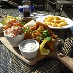fish platter & chunky chips