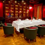 Cigar room and private dinning 3