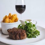 Fillet steak with chunky chips