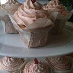 strawbery vanilla cupcakes
