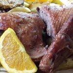 Pato Assado no Forno com Arroz de Miudos, Batata à Padeiro e Legumes da Horta