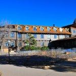 Back of hotel facing canyon