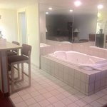 Jacuzzi suite room #216