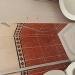 Photo de Hotel Ivanhoe