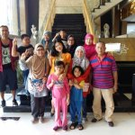 Photo with Bu Yanti (middle) and lovely family.