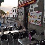 Terraza, acceso al restaurante