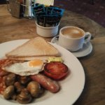 The very good full English breakfast that they offer worth a stay! The sausage is so juicy!