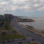 Vista desde el piso 8ª frente, hacia el lado de plaza Rep. Argentina.