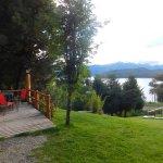 Vista del Nahuel Huapi y del otro lado del lago Correntoso.