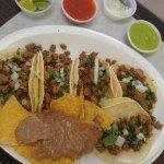 Plato de los que sirven en Sanchez Mexican Food