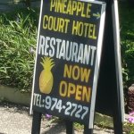 Pineapple Court Hotel Foto