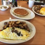 Florentine omelet, 2 griddle cakes and Texas omelet