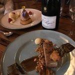 Photo de The Gunyah Restaurant at Paper Bark Camp