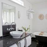 Didsbury Suite bathrrom