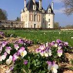 Le Pavillon Béthune et l'avant-cour du château de Selles sur CherLe Pavillon Béthune et l'avant-