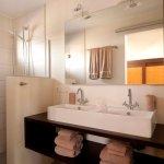 Garden Bungalow Bathroom