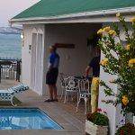Photo de Gordon's Beach Lodge