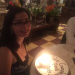Detalle de cumpleaños (postre de trufa de chocolate amargo)
