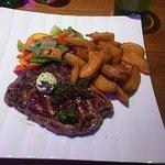 Zdjęcie Happy Valley Steakhouse & Bar