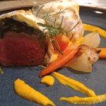 Filet en masa - Filé Wellington com espinafre, blue cheese e purê de cenoura com gengibre! Perfe