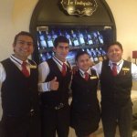 The indoor bar folks were great-Eliseo, Jorge, Veronica and especially Roverto- who was awesome