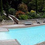 Panorama piscine coin détente et jacuzzi