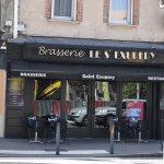 Braseríe St. Experiencia ( saliendo del museo a la derecha ) un restaurante con plato del día, m