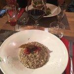 Pana cotta fruits rouges et chocolat blanc, risotto aux truffes