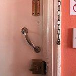 Photo de Surtees Hotel