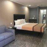 Foto de Americas Best Value Laguna Inn & Suites