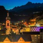 Blick ins Rheintal über Bilanz bei Nacht.