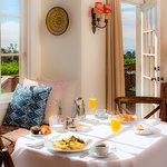 Gardenia Cottage breakfast
