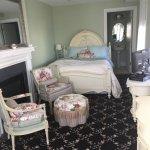 Room 1, queen bed, ocean view, balcony, fireplace,tv,wifi and buffet gourmet breakfast