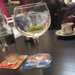 gin tonic + cafe