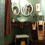 The Art Deco Room private bathroom