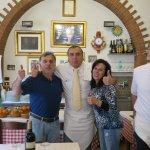 Una foto con Julio, el alma del restaurant, excelente anfitrión.