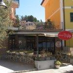 ingresso ristorante dalla piazza principale di Tellaro