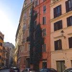 Via Capocci (Capocci Street)