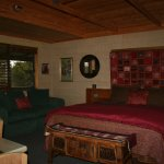 Cottage w/king sized bed, Foxtel TV, DVD  huge video library, small refrigerator & coffee machi