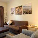 Deluxe Queen Suite Lounge Room