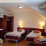 twin bedroom apartment