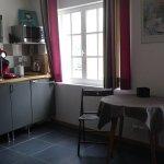 coin salon/cuisine de l'appartement